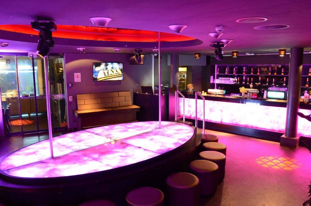 Samya FKK Club Köln - Die Bar ist ein besonderer Ort!